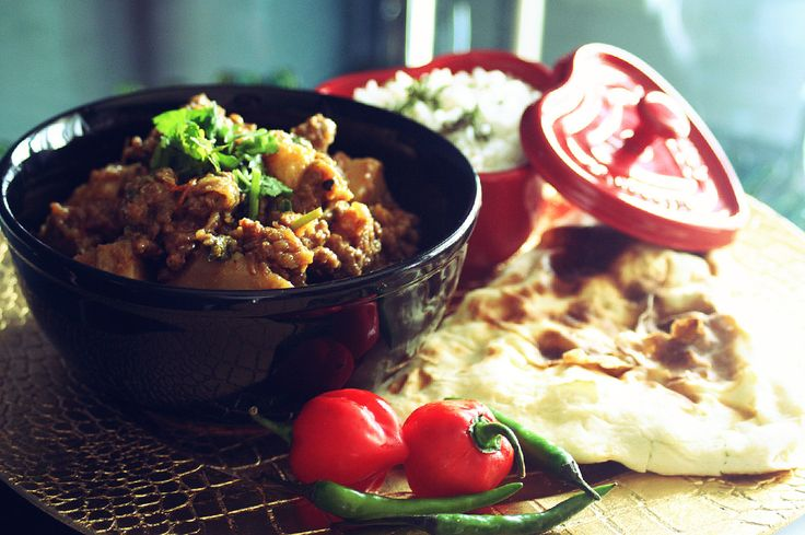 Smoked Minced Meat & Potatoes Curry (Aaloo Qeema)