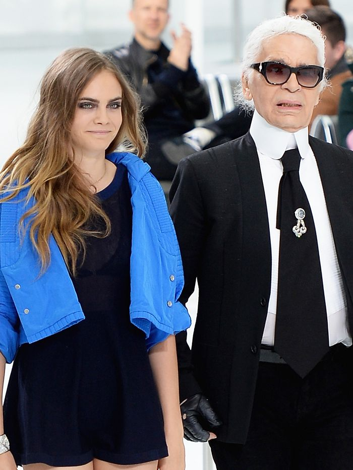 Watch Karl Lagerfeld Greet His Fashion Family After the ...