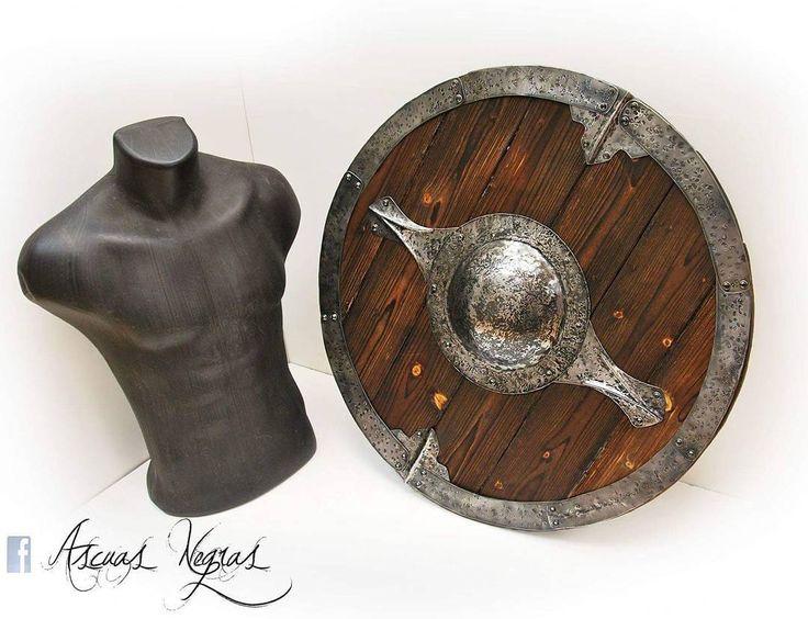 Wooden and forged steel shield. For sale in mi store www.ascuasnegras.etsy.com  #etsy #etsyshop #handmade #viking #vikingshield #vikingarmor #shield #larp #nordic #norse #vikinglarp #steelwork #woodwork #fantasy #vikingstyle #skyrim#ascuasnegras #warhammer #cosplay #vikingcosplay #tribalstyle #conan