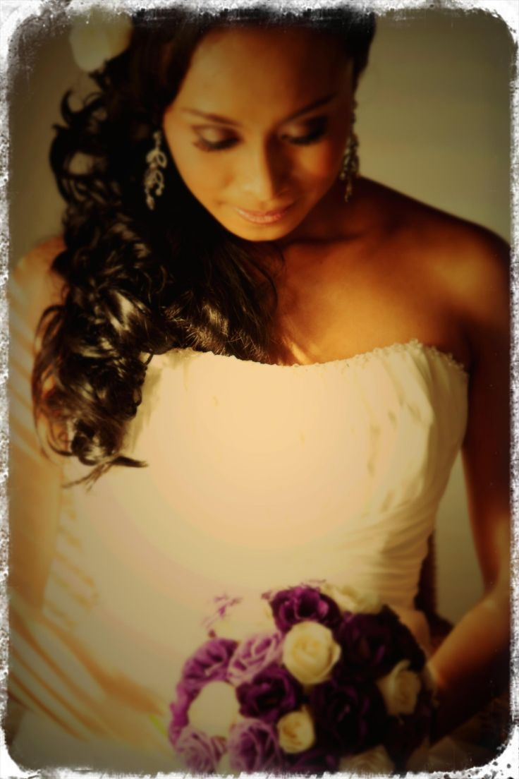 Wedding Pose#purple flowers