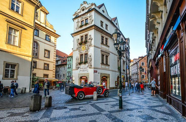 Petrece #Revelionul 2018 la Praga (5 zile/4 nopti) Perioada de #calatorie 29.12 – 03.01.2018 Contactati-ne pentru personalizarea #vacantei Dvs.! http://bit.ly/2wobmWr