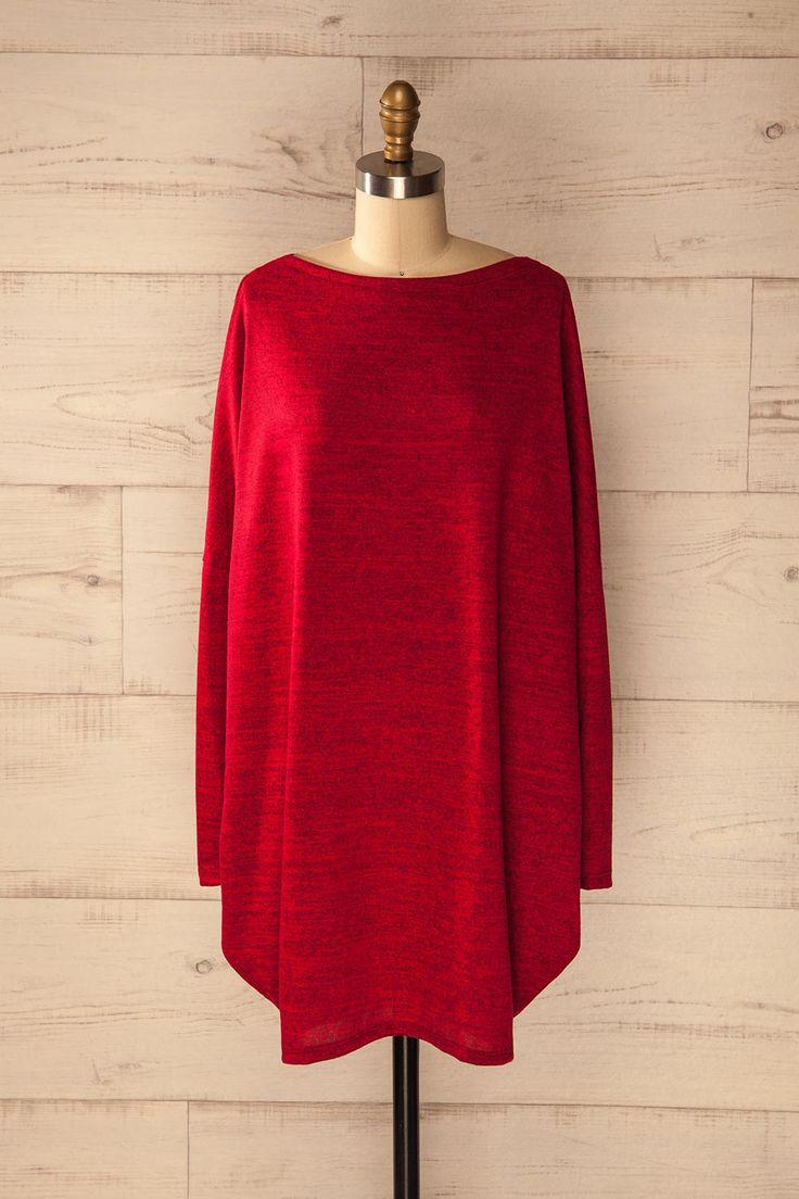 Elle ne pourrait passer à travers cette journée d'étude sans sa fidèle robe-cocon!  She would not be able to make it through her studying without her cozy cocoon dress! Heskin Feu - Red cocoon sweater dress www.1861.ca