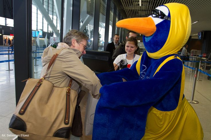 Celebrating 3 millionth passenger at #AirportGdansk in year 2014! #3million #airport #epgd #mascott; photo: Sebastian Elijasz / Port Lotniczy Gdańsk