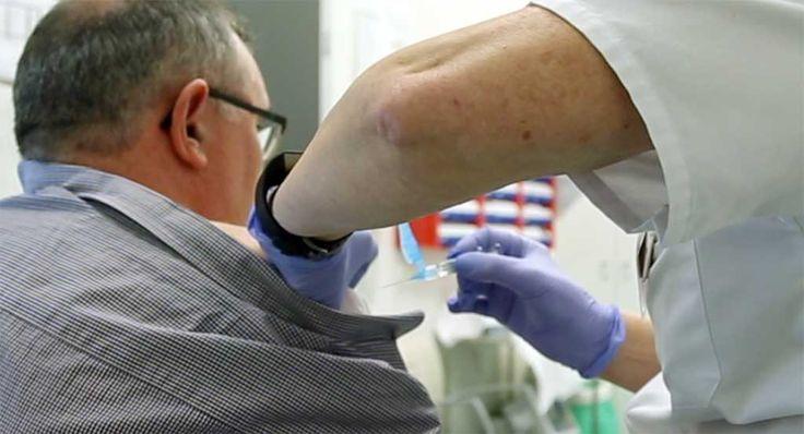 Sanidad recuerda que las vacunas se extienden a lo largo de todas las etapas de la vida y que la Comunidad de Madrid dispone de un Calendario de Vacunación Infantil y del Adulto para proteger a los madrileños de más de trece enfermedades infecciosas.