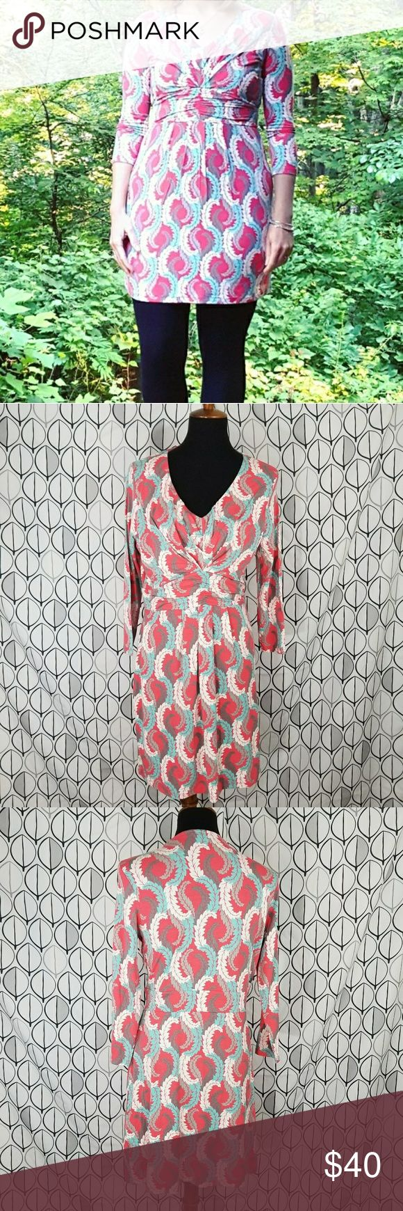 """Boden 3/4 Sleeve Coral & Teal feather Tunic Dress Boden super soft Tunic dress with coral teal white feather pattern, dress has a gathered emprire waist v neck 3/4 sleeves. Can be worn as a dress or a longer Tunic. UK size 14 US size 10. In excellent shape. Dress has somw stretch. Measurements laying flat are approximate bust 18.25""""-20"""" length 35"""" waist 15.25""""-17"""" Boden Tops Tunics"""