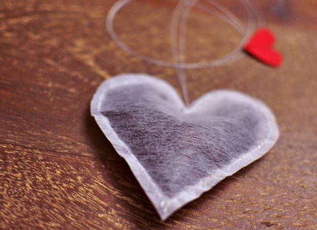 Tutorial for making DIY heart shaped tea bags!