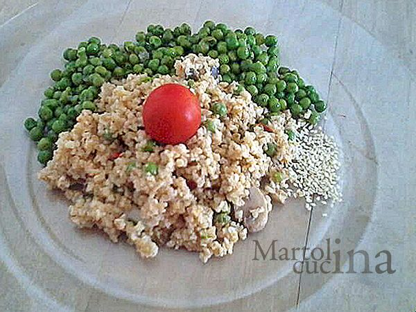 BULGUR ALLE VERDURE #bulgur #verdure #vegatariana #primo #piattounico #estate #funghi #peperoni #cipollotti