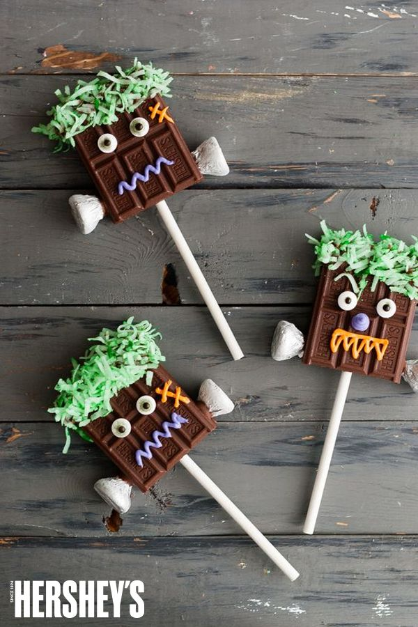 The only thing better than a Chocolate Monster Sucker is a Chocolate Monster Sucker that you bring to life yourself. Check out what Handmade Charlotte made for Hershey's Halloween!