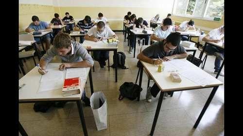 Attualià: #Vicenza: #supplente #trans viene sospeso dalla scuola. Per 270 euro prometteva servizi erotici (link: http://ift.tt/2oyM6c6 )