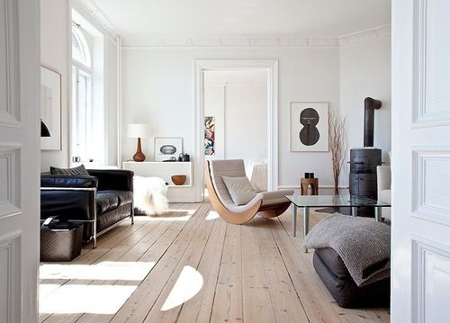 floorModern Furniture, Rocks Chairs, Wooden Floors, Interiors Design, Living Room, Wood Stoves, Modern House, White Wall, White Room