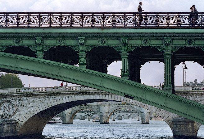 Behind the pont Notre Dame you can see pont au Change, pont Neuf, pont des Arts and pont du Carrousel.