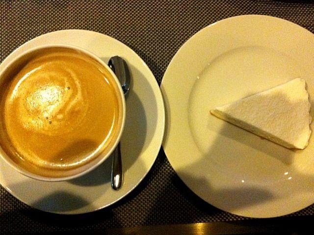 レシピとお料理がひらめくSnapDish - 5件のもぐもぐ - カフェラテとリコッタチーズケーキ by Sanae