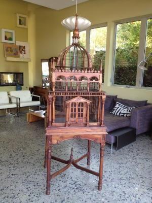 Enorme mano de la vendimia jaula de pájaro de madera tallada por greencycledesignLA, $ 850.00 por Renee