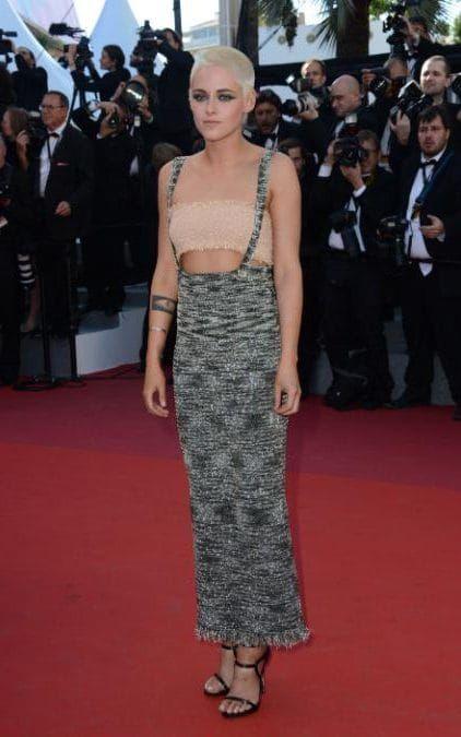 Kristen Stewart seljas Chanel kleit ja Le Silla sandaalid on 120 lööki minutis esietendus