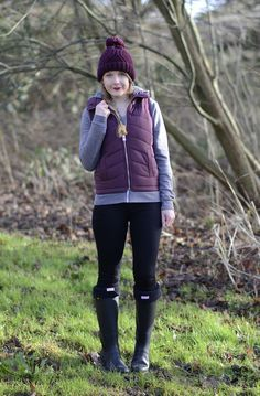 http://raindropsofsapphire.com/2014/01/31/winter-walks-in-black-hunter-wellies/