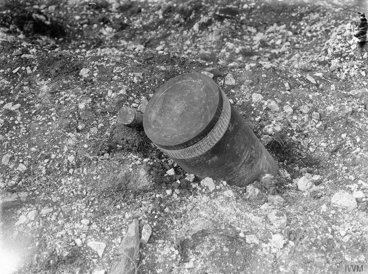WW1, 7 August 1916, Battle of the Somme; Unexploded German shells, Ovillers. © IWM ( Q 1140)