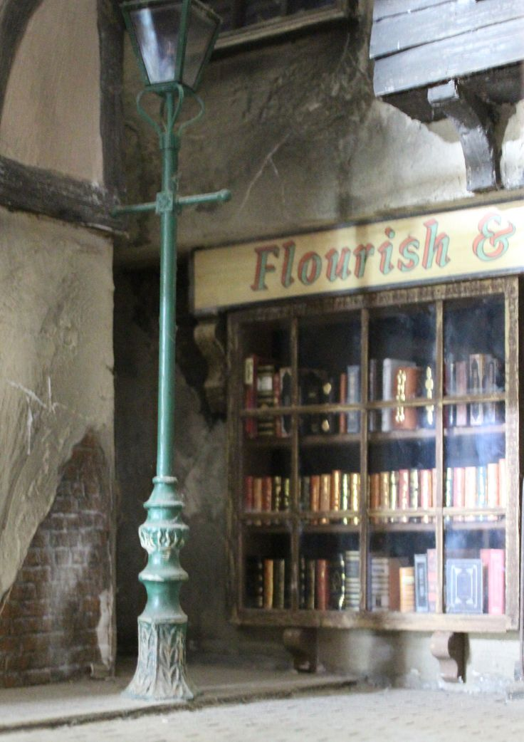 Flourish & Blotts ~ Diagon Alley