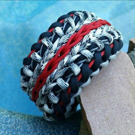 Modified wide sanctified paracord bracelet