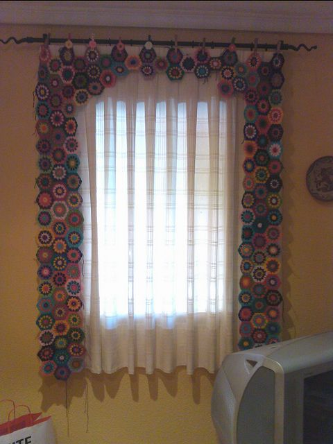 I would so make this for myself. It's lovely. Cortina, Curtain