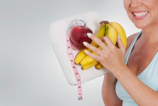 Si estás buscando bajar de peso debes de saber qué alimentos contienen proteínas para poder lograr tu objetivo. En el caso de que hagas ejercicio y quieras aumentar masa muscular, descubre qué alimentos contienen proteínas. ¿Qué alimentos contienen proteínas? Sigue leyendo y te damos los mejores 10 alimentos.