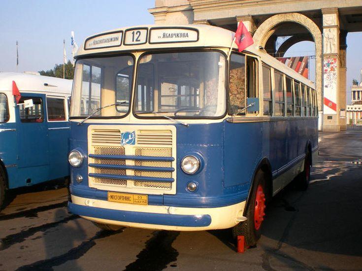 1956 - 1959: ЗИЛ-158 (ZIL-158v) 1961 ЗИЛ-158В производства Ликинского автобусного завода