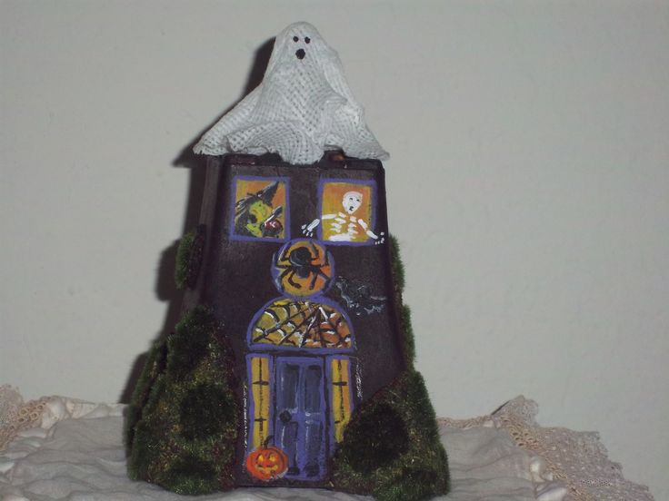 Hand painted haunted house my art pinterest haunted for Pinterest haunted house