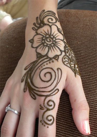 henna swirl flower on hand by flowerwills deviantart