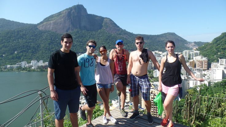 Speaking Portuguese in Lagoa: the place is very beautiful and the weather was perfect.