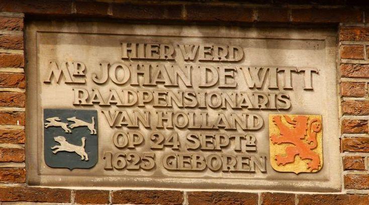 Dordrecht<br />Dordrecht - Grotekerksbuurt gevelsteen