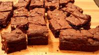 How To Make Brownies From Chocolate Cake Mix | eHow