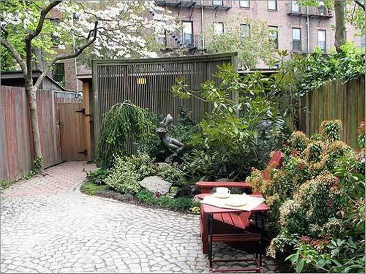 17 best ideas about small courtyard gardens on pinterest for Creating a courtyard garden