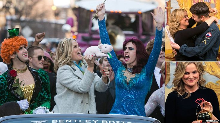 Amy Poehler accepts her Hasty Pudding award