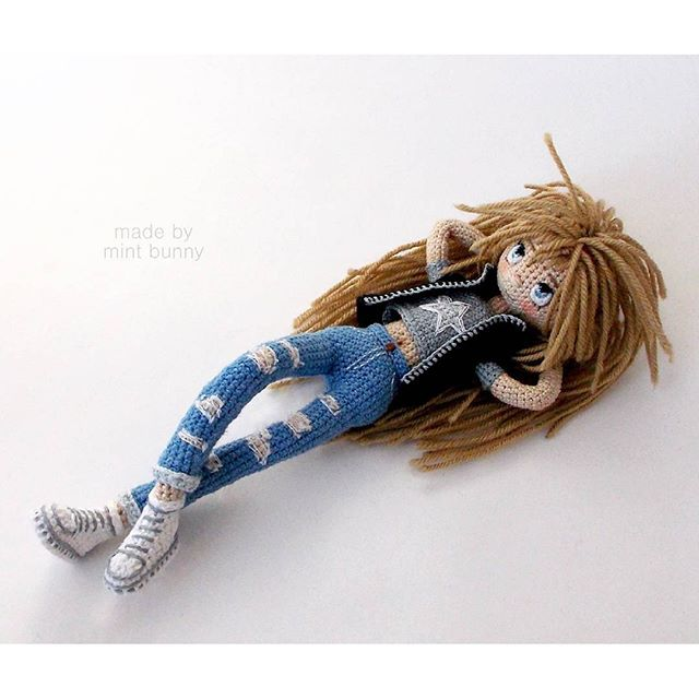 The RockStarGirl 7,2 inches tall. She is able to stand and take different positions. Auction will start Jan 21 at 7 p.m. GMT 0 -------------- Итак, ДевочкаРокЗвезда, 18,5 см ростом, связана из хлопка, волосы не помню из чего, вроде шерсть. Внутри жёсткий проволочный каркас, умеет стоять, сидеть, лежать, снимать жилетку, поднимать настроение, и...Instagram web viewer online, You can find the most pop photos and users at here Yooying.