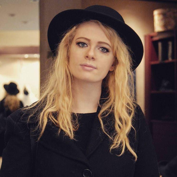 Un grazie speciale a Giulia! Questo cappello sembra fatto per te!!! #igersoftheday #igerstoscana #rinaldelli #fascinator #cappelli #hat #style #fashion #portrait #love #modella #modelle #model #igers #igersoftheday #moda #ragazza #tuscany #style #madeinitaly #arte #artigianato #artigian #ragazzaitaliana #girl #madeinitalylifestyle