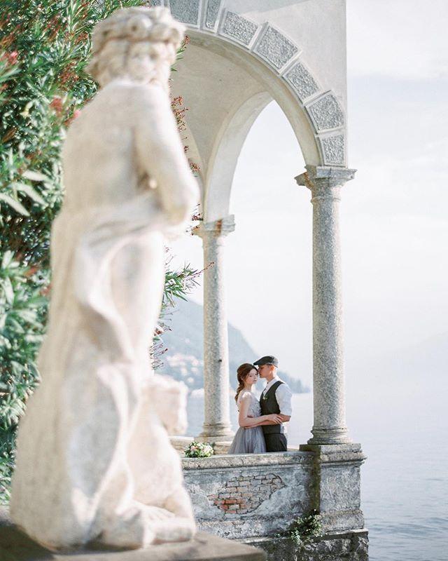 Everybody needs love ... and a good wedding photographer ;-) Morning my friends  . . . Workshop @tamaragigola  Organization: @bazhanstudio  Mua&hair: @evgeniabarbelya  Video: @takprostostudio  Stylist: @siviliya_sotskaya  Polygraphy : @vmeste_calligraphy  Special guest: @margomiracle . . . #destinationfilmweddingphotographer #lakecomo #luxurystyle #lakecomoweddingplanners #destinationwedding #ishotfilm #lakecomowedding #contax645 #fineartweddingphotographer #lakecomoweddings #bridetobe…