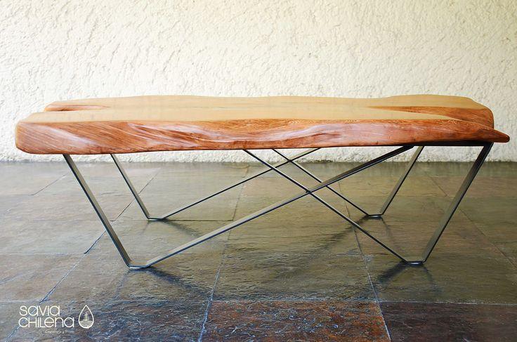 MESA DE CENTROALERCE Mesa de Centro Alerce, tiene cubierta de tronco irregular, la puedes usar como mesa de centro en un living o sala de estar.