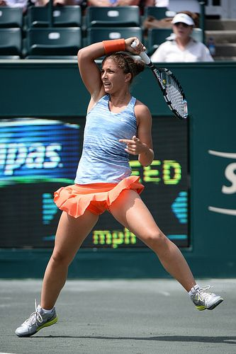 Errani puts extra top spin on this shot!