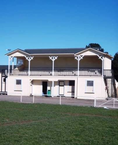 :: Grandstand, Eketahuna. Photographed by K Cox 11/08/2010. Copyright NZ Historic Places Trust
