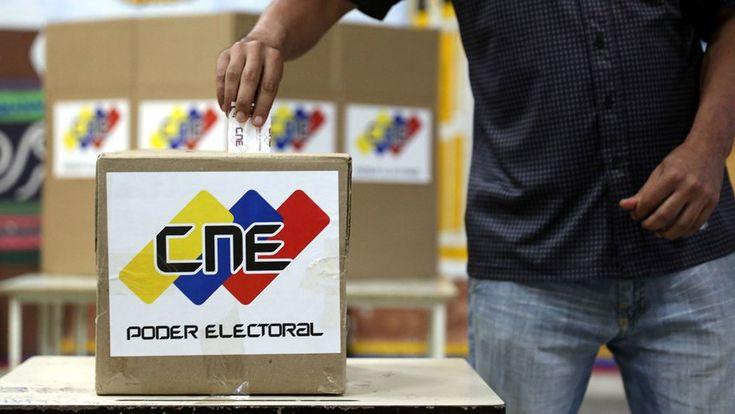 Según Hinterlaces 7 de cada 10 venezolanos acudirá a votar -  Según el estudio realizado por la encuestadoraHinterlaces, esa mediciónarrojó queel 71% de los ciudadanos está de acuerdo en que la oposición participe en las venideras elecciones presidencialesque se llevaran a cabo el 22 de abril. Estos resultados fueron dados a conocer por el periodista y... - https://notiespartano.com/2018/02/26/segun-hinterlaces-7-10-venezolanos-acudira-votar/