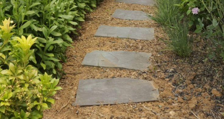 Oltre 25 fantastiche idee su giardino di ghiaia su - Vialetti da giardino ...