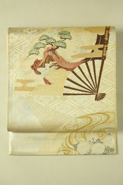 Mild Gold & Silver Fukuro Obi (Rokutsu), Fan and Matsu Flower Pattern / 淡金銀地 扇松に流水菊花柄 六通袋帯 #Kimono #Japan http://www.rakuten.co.jp/aiyama/