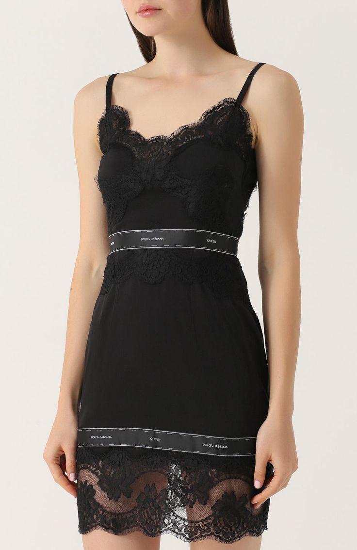 Женское черное приталенное мини-платье с кружевной отделкой DOLCE & GABBANA — купить за 107500 руб. в интернет-магазине ЦУМ, арт. 0102/F67C1T/FUABH