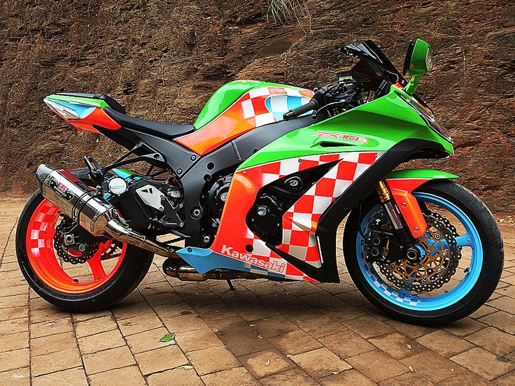 The Speed Scream | Kawasaki ZX10 painted by PAZ.