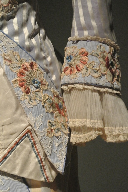 Portraits of a Lady (1996). close up of sleeve embellishments, embroidery and pleating details on Victorian costume, frock, dress, bodice.