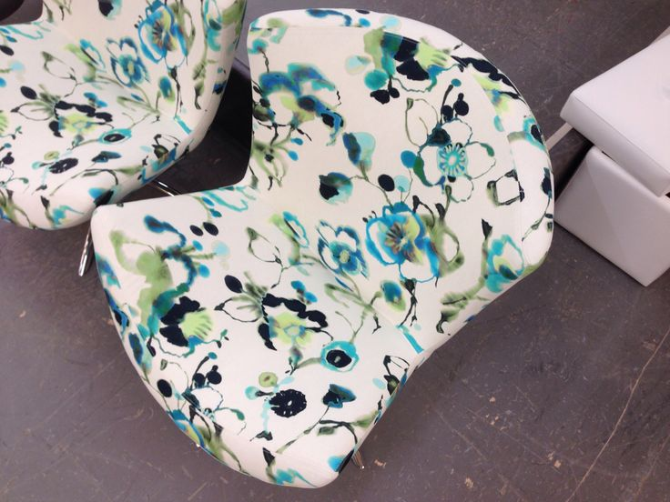NOtre fauteuil Sorisso se réinvente à chaque fois selon vos choix de revêtement!