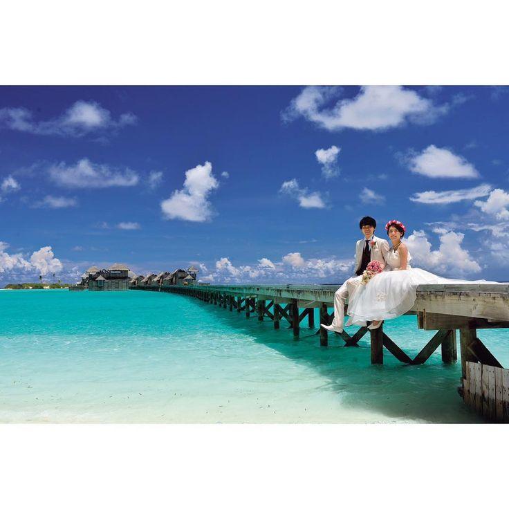 """""""* 青い海、青い空、憧れのモルディブ 一生に一度は行くべし! * #weddingtbt #海 #プレ花嫁 #結婚式 #結婚式準備 #モルディブ #ハネムーン #maldives #wedding #海外ウェディング #モルディブ挙式 #空 #ハネムーンフォト #ロケーションフォト"""""""