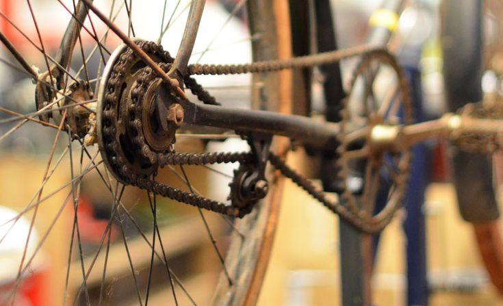 Vélo a deux vitesses, sans dérailleur.
