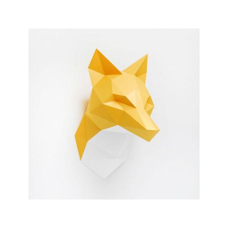 Sortez les tubes de colle, les ciseaux et une bonne dose de créativité ! Construisez votre trophée mural renard en origami. Bien qu'il soit rusé, vous arriverez en quelques heures à le plier pour accrocher cette décoration tendance à votre mur ! Que vous accrochiez le trophée mural renard vote salon,votre chambre ou votre bureau, il apportera une touche de décoration décalée à votre maison ! Deux options sont possibles à votre création origami Assembli : un cou blanc ou orange. Les dimen...