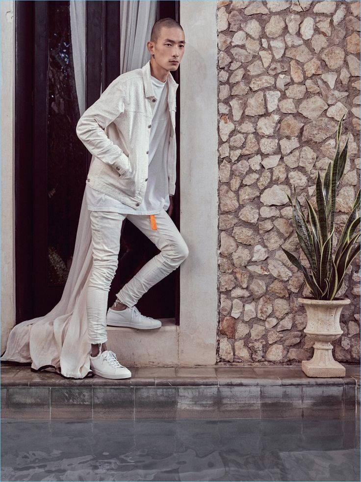 Monochromatic style is front and center as John Elliott dons an off-white look for spring-summer 2017.