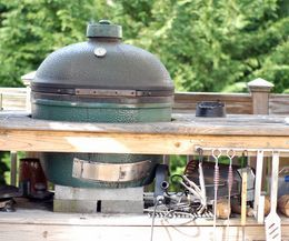 #Myhttender How to keep your Big Green Egg grill sparkling clean!